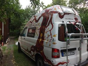 Bus-Gesichterbaum (1)